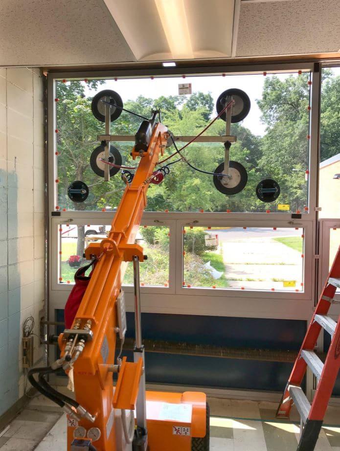 Innenverglasung-mit-Glasmontagelifter